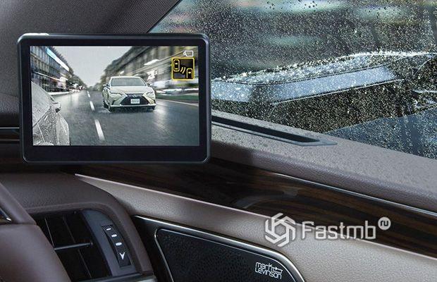 Первые автомобили с камерами вместо боковых зеркал