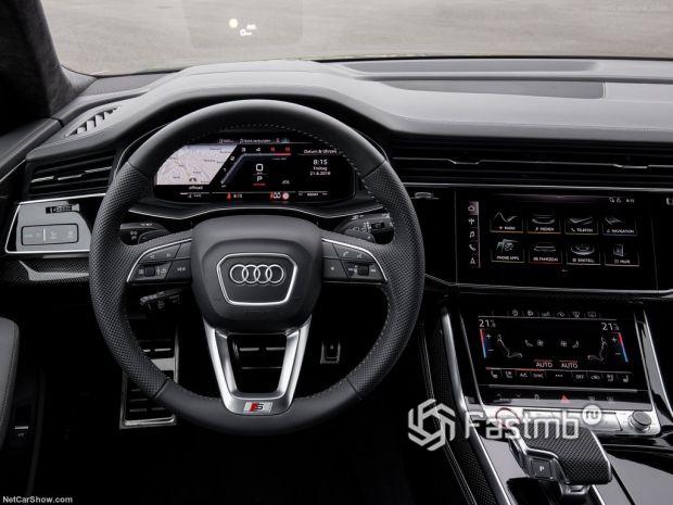Audi SQ8 2020, панель управления