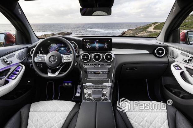 интерьер Mercedes GLC