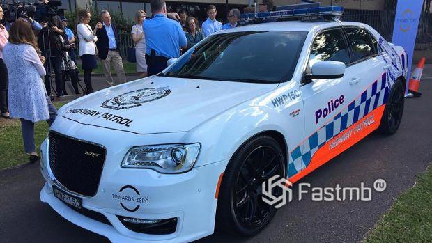 полицейский Chrysler