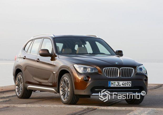 Первая генерация BMW X1 2010-2015