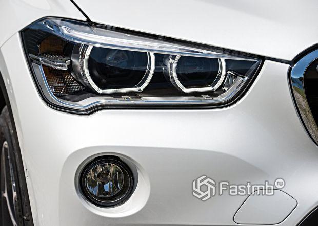Передняя оптика BMW X1 2016