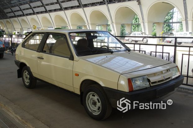 ВАЗ-2108 («Зубило»)