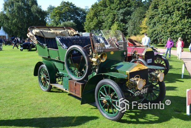 Rolls-Royce 15 HP (1904)