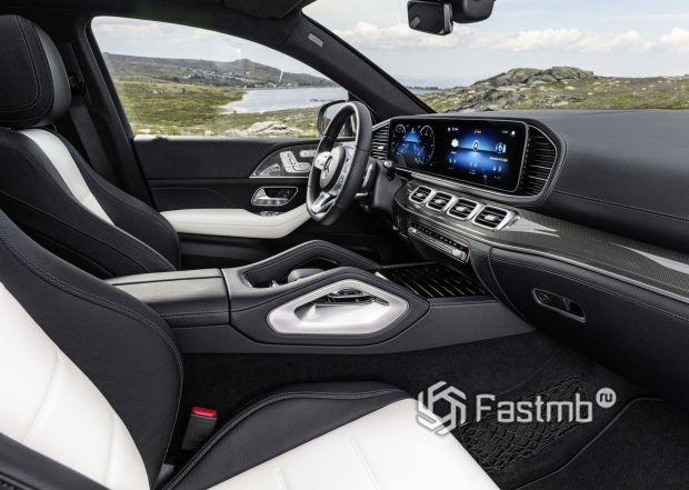 Водительское место Mercedes-Benz GLE Coupe 2020
