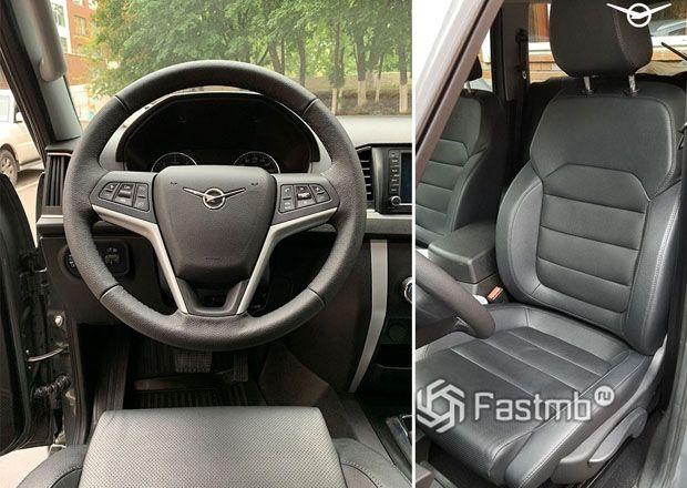 Переднее сиденье и рулевое колесо