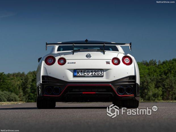 Nissan GT-R Nismo 2020, вид сзади