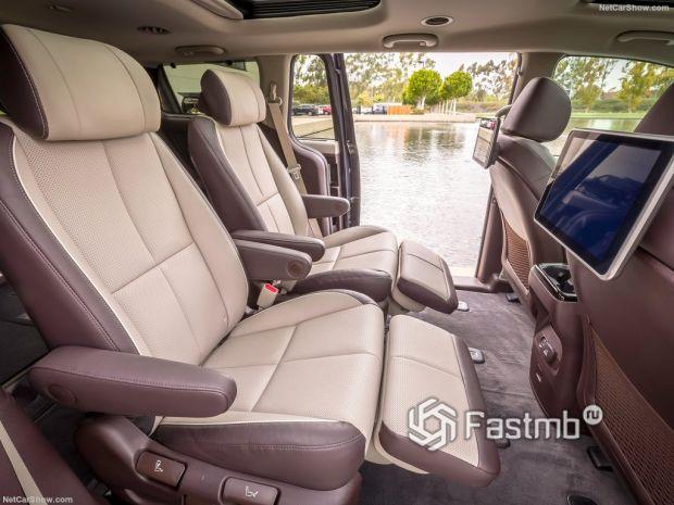 Kia Sedona 2019, сидения