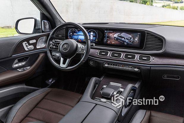 Внутреннее оформление Mercedes-Benz GLE
