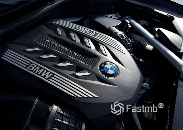 Бензиновый двигатель BMW X6 M50i 2020