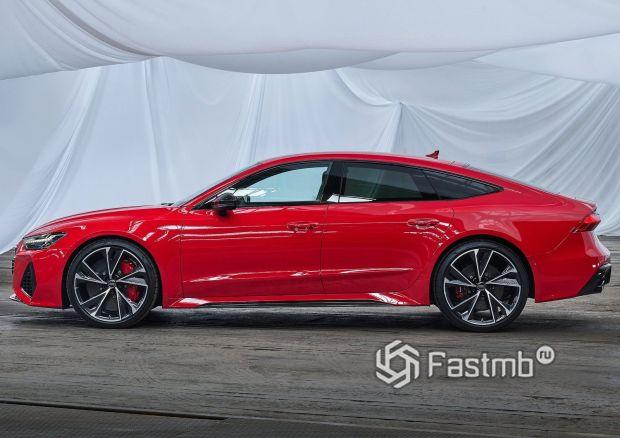 Audi RS7 Sportback 2020, вид сбоку