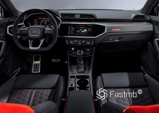 Интерьер нового Audi RS Q3 2020