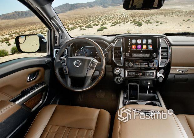 Интерьер обновленного Nissan Titan 2020