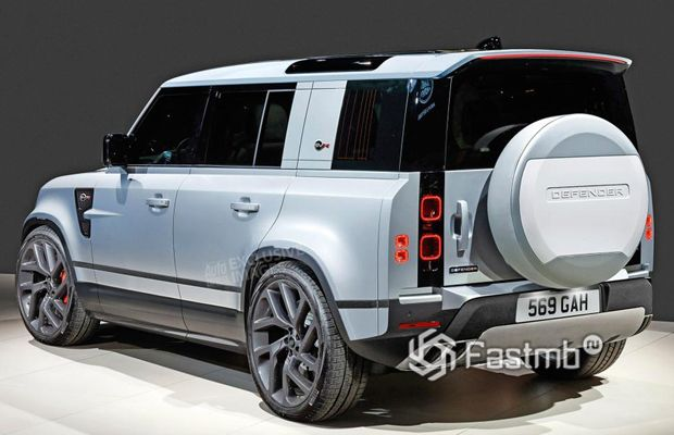 Задняя часть Land Rover Defender SVR 2020
