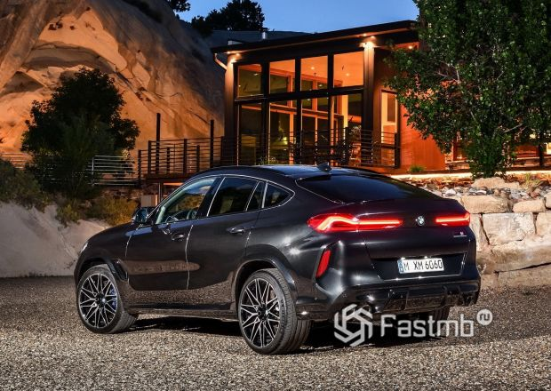 Задние стопы BMW X6 M Competition 2020