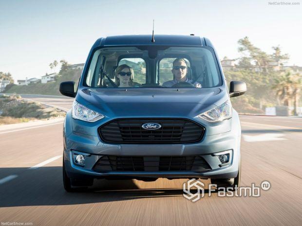 Ford Transit Connect Wagon 2019, вид спереди