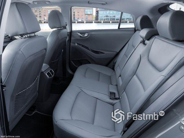 Hyundai Ioniq 2020, задние сидения