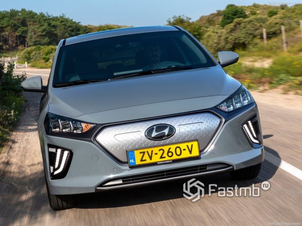 Hyundai Ioniq 2020, вид спереди