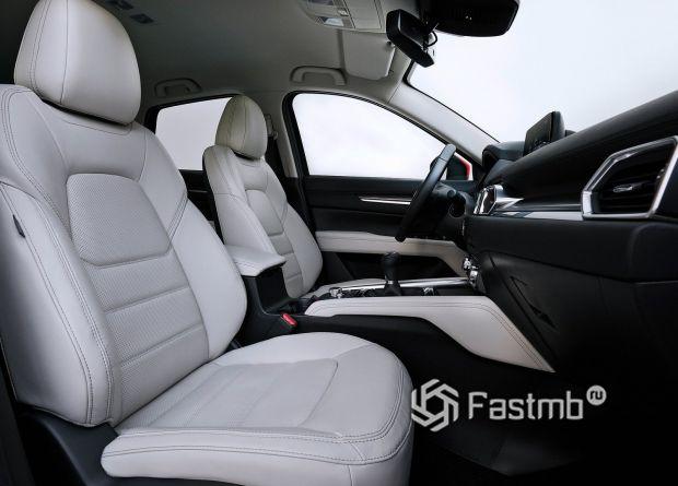 Передние сиденья Mazda CX-5 2019