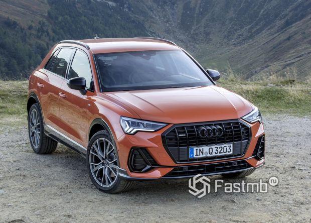 Новая Audi Q3 оранжевого цвета
