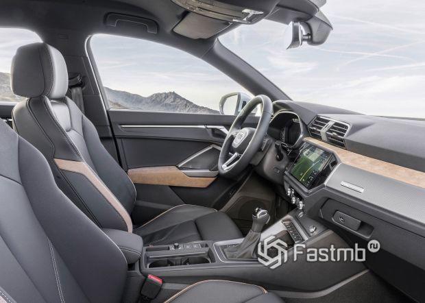 Передние сиденья Audi Q3 2019