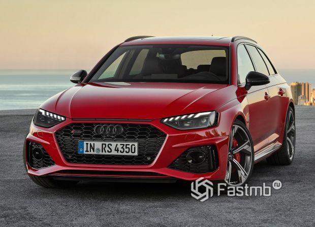 Передняя часть Audi RS4 Avant 2020