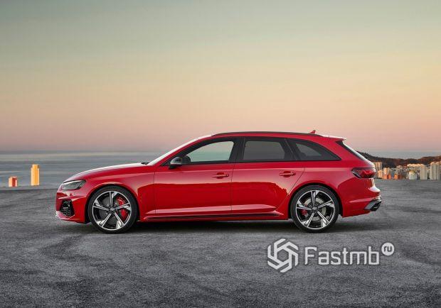 Audi RS4 Avant 2020, вид сбоку
