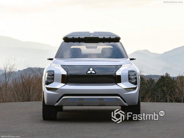 Mitsubishi Engelberg Tourer Concept 2019, вид спереди