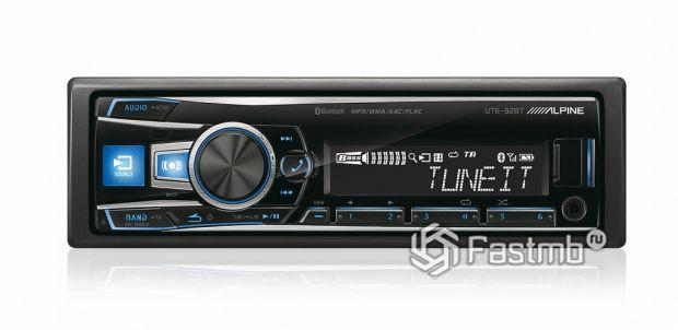 Медиа-ресивер Alpine UTE-92BT с Bluetooth