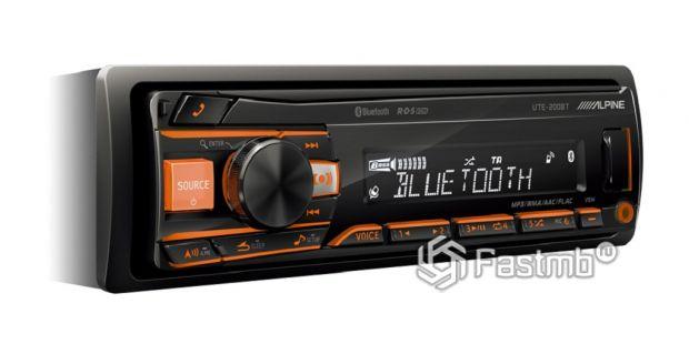 Медиа-ресивер Alpine UTE-200BT с Bluetooth