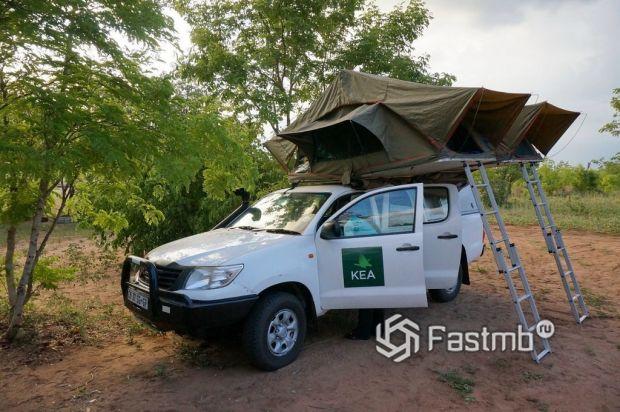 палатка на крыше автомобиля в Ботсване
