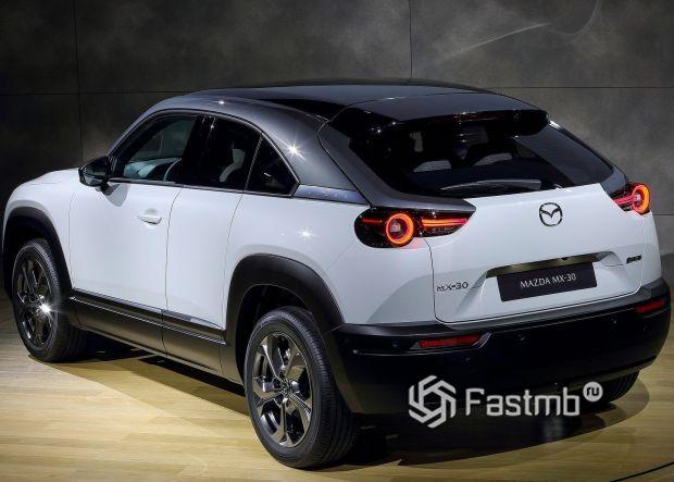 Mazda MX-30 2021, вид сзади