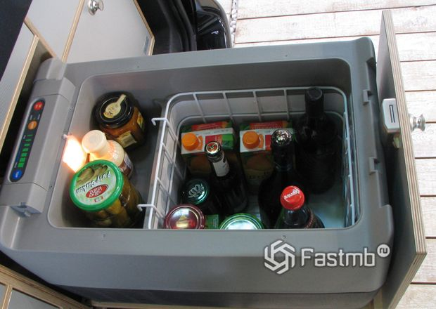 Втроенный фреоновый автомобильный холодильник