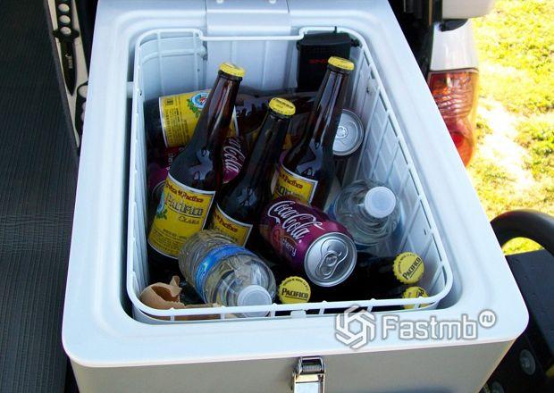 Компрессорный автомобильный холодильник с сеткой