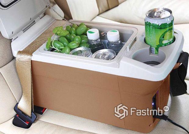 Автомобильный холодильник с охлаждением подстаканников