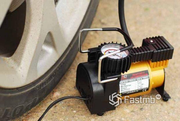 Как выбрать автомобильный компрессор для накачки шин