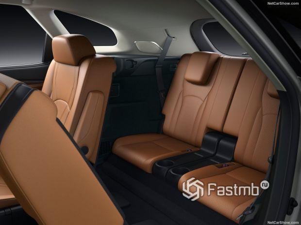 Салон Lexus RX L 2020, третий ряд сидений