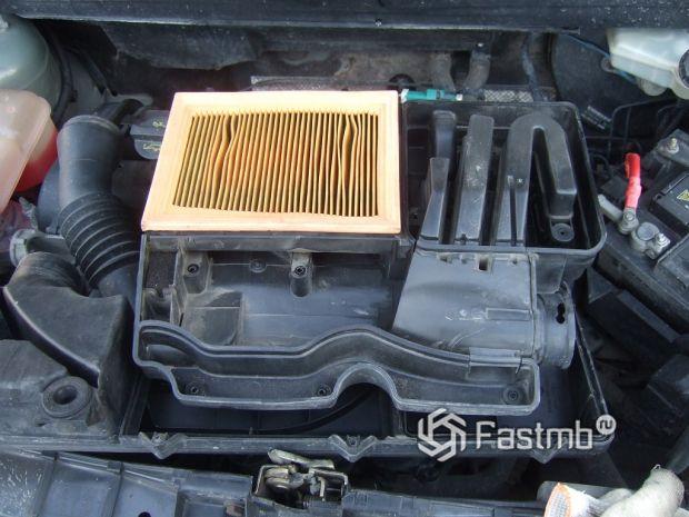 замена фильтра на Ford Fusion