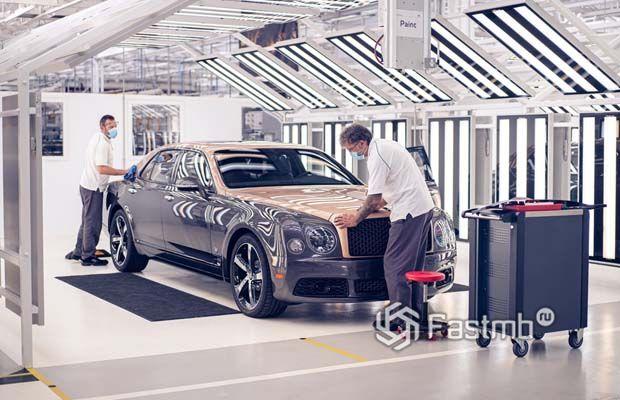Последний седан Bentley Mulsanne 2020, вид сбоку
