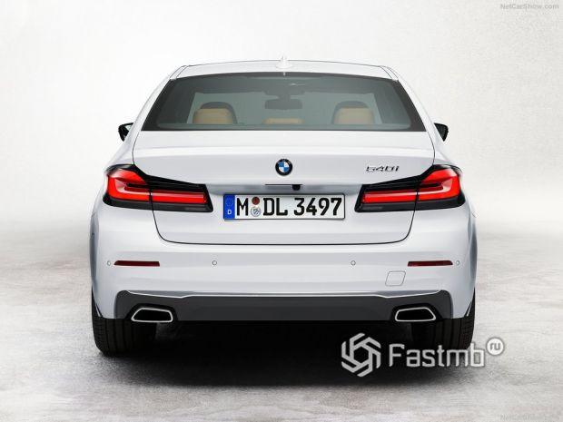 BMW 5-Series 2021, вид сзади