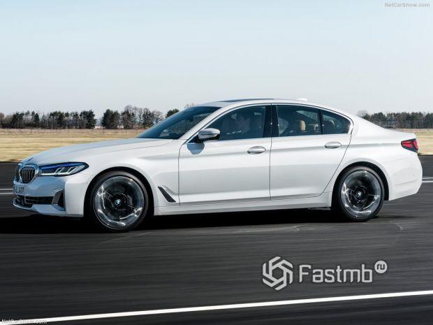 BMW 5-Series 2021, вид сбоку слева