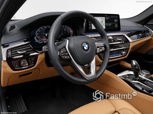 Салон BMW 5-Series 2021