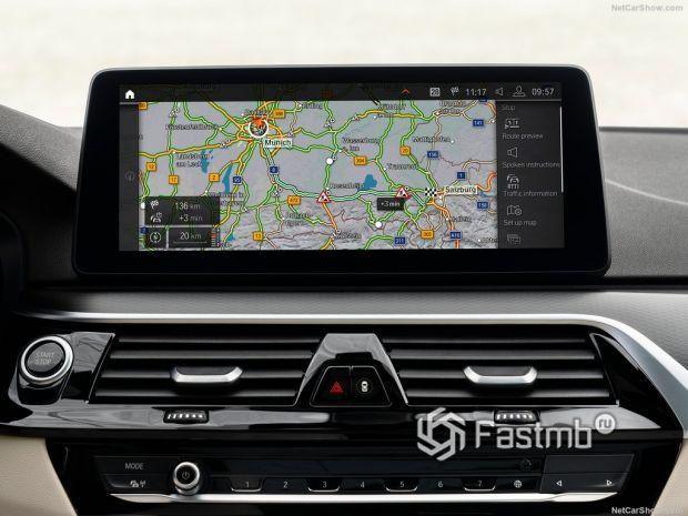 BMW 5-Series 2021, мультимедиа