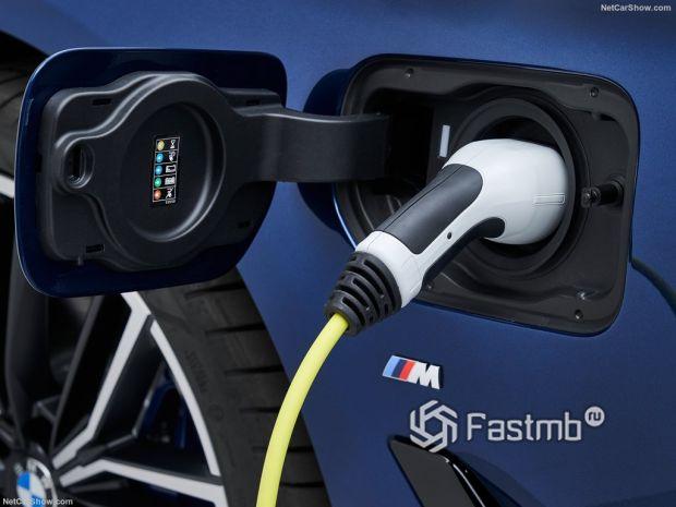 BMW 5-Series 2021, зарядка