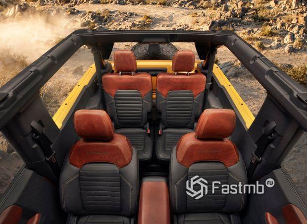 Ford Bronco 3dr 2021, первый и второй ряд сидений