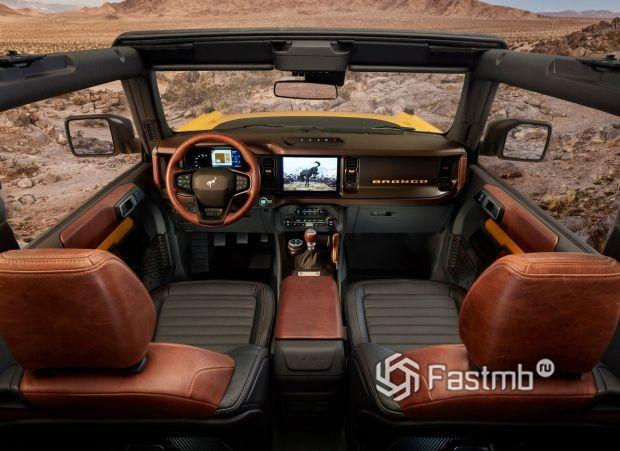 Ford Bronco 3 door 2021, передние сиденья
