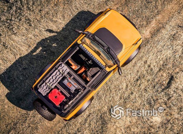 Ford Bronco 3DR 2021, часть снятой крыши