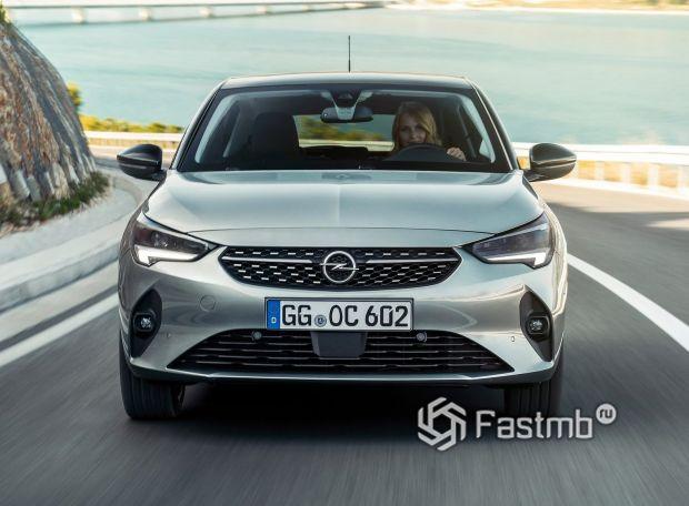 Opel Corsa 2020, дополнительная решетка в бампере
