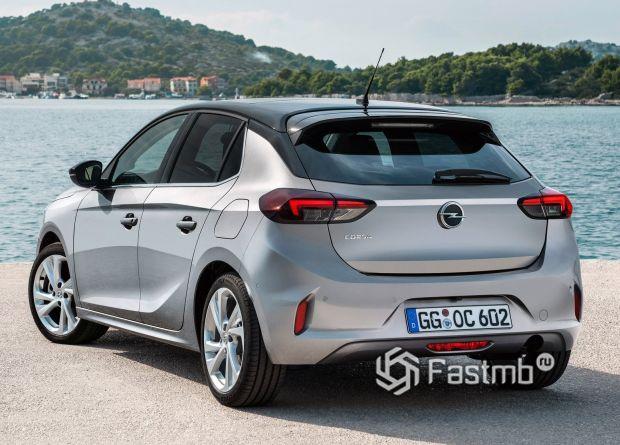 Opel Corsa 2020, задние стопы хэтчбека