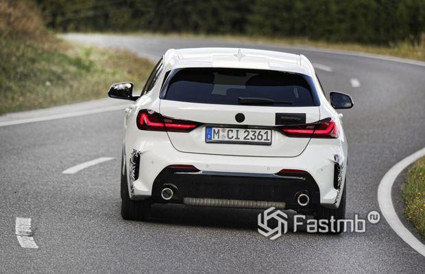BMW 128ti 2020, вид сзади